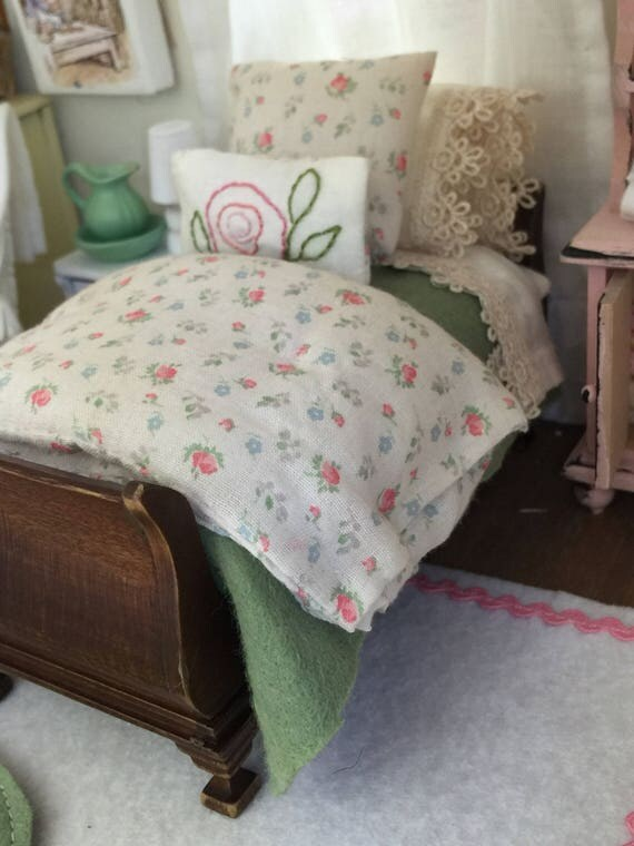 Miniature Dollhouse Rose Garden Twin Bed and Bedding- 1:12 scale