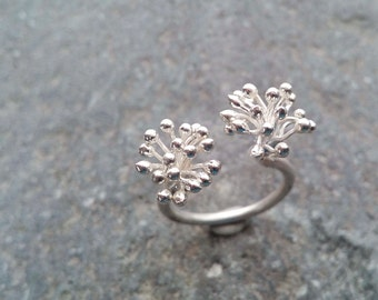 Double dandelion sterling silver open ring. Delicate flower sterling silver ring. Nature jewelry. Adjustable ring