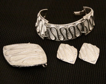 Vintage Modernist Silver Bracelet, Brooch and Earrings Sarah Coventry Chunky Big, Silver Finish