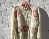 PRE-THANKSGIVING SALE 1980s Vintage Sweater Floral Preppy Cream Rose Tan Sweetest Top