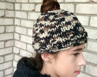 Messy bun hat >> Made to order >> >>Messy bun beanie >> Beanie With Hole >> Beanie with ponytail hole >> Ponytail Hat