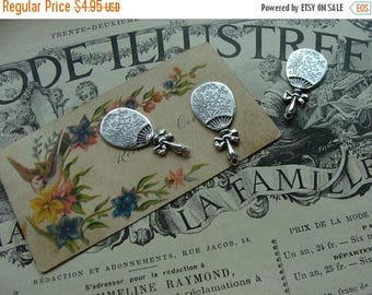 ON SALE Lovely Victorian  Paper Accents