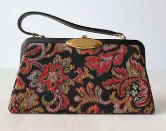 Tapestry Needlepoint Purse / 1960s Purse / Top Handle Purse / Frame Handbag / Black and Red