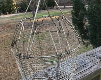 Vintage Collapsible Wire Egg Basket--French Country--Farmhouse Kitchen Decor--Rustic Primitive Cottage Chic