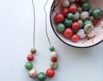NECKLACE CLEARANCE sage advice - necklace - vintage lucite