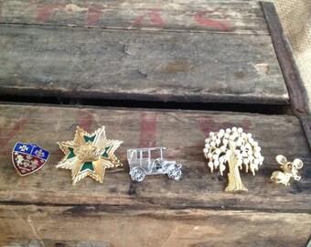 FIVE BROOCH SET - vintage brooches- vintage brooch- cool old pieces