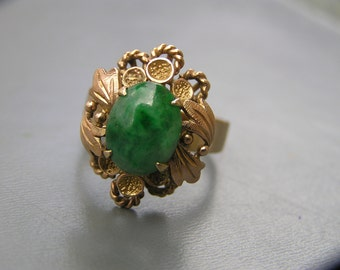 Art Nouveau Jade Ring . Natural Jade Ring . 10kt gold jewelry