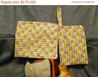 Sale 15% off Reusable Sandwich N Snack Bag Set, Puppy Bones in Squares Print