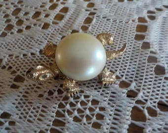 Vintage Brooch - Turtle - Gold Tone Metal - Faux Pearl Cabochon