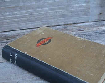 1952 Hardcover Davy Crockett Book
