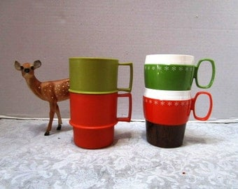 CHOICE PAIR Vintage Orange Green Stackable Cups 1312 Tupperware OR Woodhue / Woodgrain Thermoware Insulated New-Mar Plastic Practical Casual