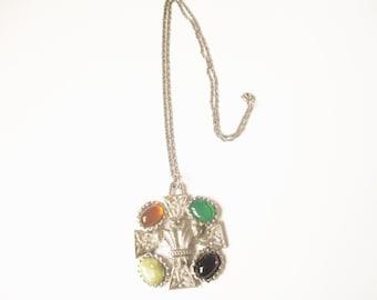 Stunning Scottish polished glass, gemstone and Prince of Wales heraldic feathers silver tone bohemian celtic necklace, signed JEM
