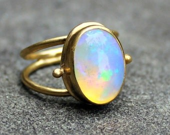 Opal Ring - Opal Gold Ring - Opal Ring - 18 kt Gold Ring - Solid Gold Ring - Ethiopian Opal - Welo Opal Ring - Large Opal Ring - US 7.5