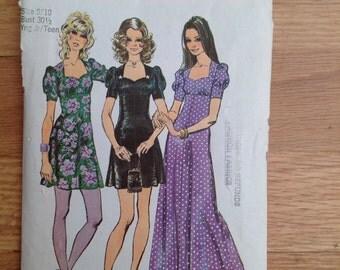 Vintage Simplicity 9779 Sweetheart Neckline Dress -9/10