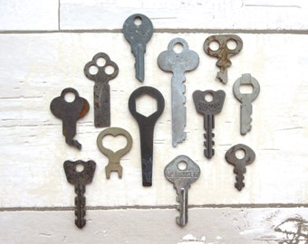 12 Vintage keys Primitive keys Rustic keys Antique keys Old odd keys Rusty old keys Instant collection of keys Variety of keys Key lot #1
