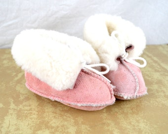 Vintage Pink Suede Furry Winter Minnetonka Moccasins Baby Booties - Kids Size 6