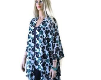 Kimono Ruana with daisies-Oversize kimono -Green Black and white-Beach Pareo--oversize chiffon kimono-Ruana
