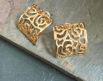 Mothers Day Special! Gold filigree earrings- 3.00 shipping in USA