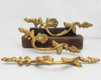 """Lot of 3 Large Ornate Vintage Brass Drawer Cabinet Dresser Knobs Handles Pulls 10""""W"""