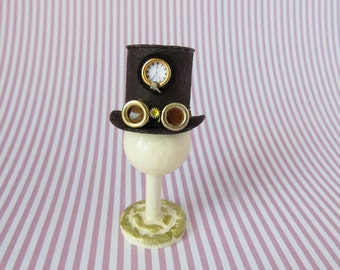 Steampunk top hat with goggles and clock in 1:12 scale