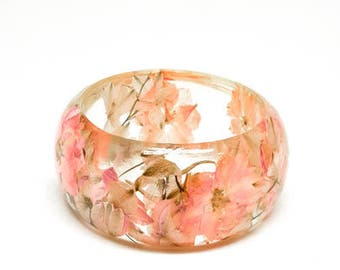 Size Large Pink Botanical Resin Bangle. Chunky Bangle Bracelet.  Pressed Flower Resin Cuff.  Real Flowers - Pink Larkspur