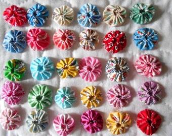 30 - 1930's Reproduction  Feedsack 1 inch Yo Yo Fabric Quilt  Block Applique Trim Pieces Embellishment Hair Clip