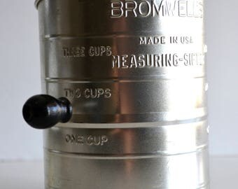 Vintage BROMWELL'S 3 Cup Measuring Sifter Vintage Kitchen Baking