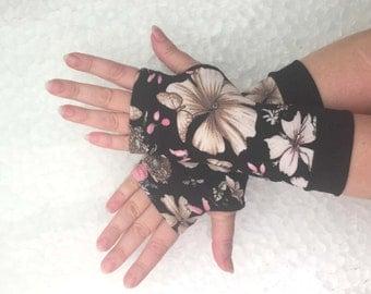 Fingerless  gloves White flowers