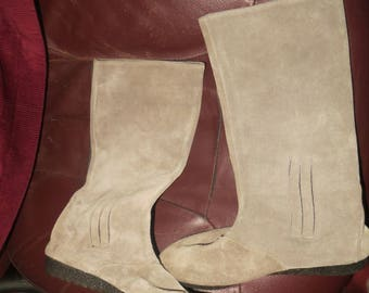 vtg 80s  taupe / grey flat heel suede leather Filenes boots womans sz  5 .5