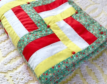 Sweet Vintage Baby Quilt Patchwork Tied Eyelet Floral Cotton Childs Crib