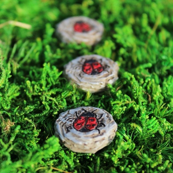 "Lady Bug Stepping Stones (3 to Set) .75"" diameter each"
