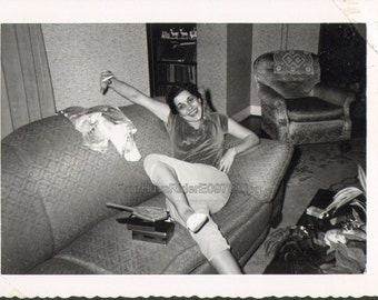 Happy Face Vintage Photo E09703 Cute Young Girl Shows Out on a Couch