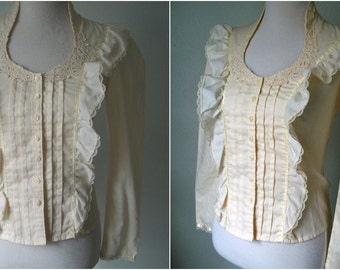 70s LACE detail and high collar blouse - Jessica's Gunnies - size Small