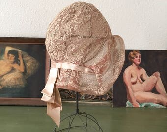 vintage 1920s cloche. RARE 20s romantic full lace cloche hat. 1920s antique cloche