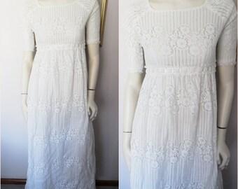 Vtg.60s White Lace Empire Waist Wedding Maxi Dress.Small.Bust 35.Waist 28
