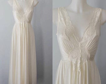 Vintage Ivory Nightgown, 1980s Nightgown, Olga, Vintage Nightgown, Romantic, Wedding, Ivory Nightgown, Nightgown