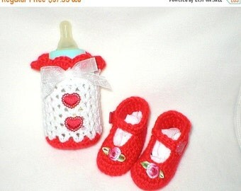 40% OFF RETIRING SALE Crochet Baby 0-3 Mts 4 Oz. Red Padded Hearts Bottle Cover Red Goesgrain Roses Mary Janes Gift Set