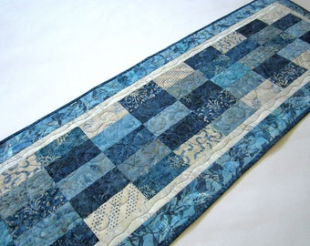 Batik Table Runner, Table Runner Quilted , Table Runner, Handmade Tablerunner, Home Decor, Quilted Table Runner, Table Decor, Blue Runner