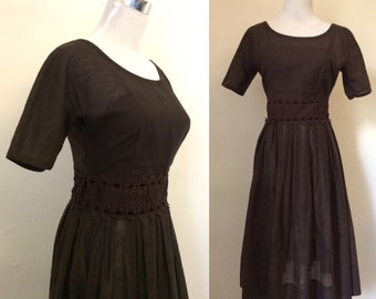 Vintage 1960s chocolate boat neck dress / sixties fit and flare dress with lace detailing - Extra small