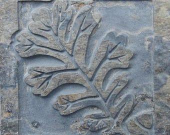 "4""x4"" English Oak Leaf Etched Slate Tile - SRA"