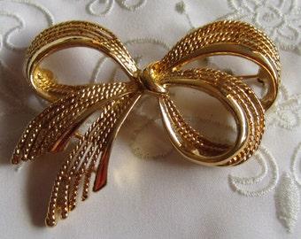 Vintage Napier Gold Tone Ribbon and Bow Brooch