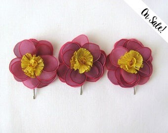 Three handpainted silk wild roses - hair bobby pins - pink and yellow - wild flower - ***Item on sale*** Previous price : 36 EUR