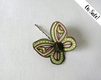 Olive green and beige silk butterfly - hand painted silk hair bobby pin - ***Item on sale*** Previous price : 9.50 EUR