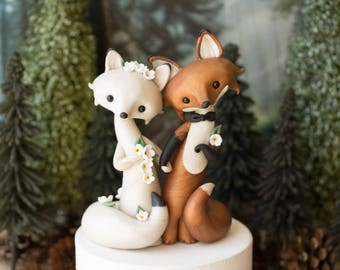 Made to Order Custom Fox Wedding Cake Topper - Red Fox and Arctic Fox by Bonjour Poupette