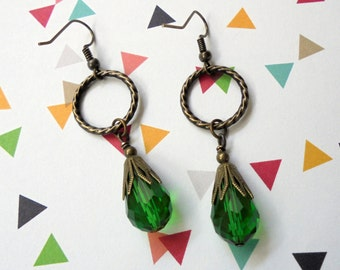 Emerald Green and Brass Teardrop Earrings (3268)