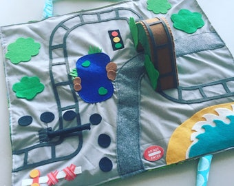 Travel play mat - on the train
