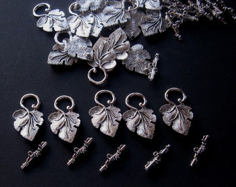 Antiqued Silver Grape Leaf Toggle Clasps, Ring and Bar, Necklace Closure, Jewelry Findings, Craft Supplies, Clasp Findings, Set of 5