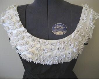 Vintage 60s Laurie Jane Junior Sleeveless Black Taffeta Formal Dress White Satin Rhinestone Collar Full Skirt Size Small