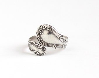 Vintage Sterling Silver Repousse Design Spoon Ring - Retro 1960s Size 9 Adjustable Bypass Wrap Statement Flatware Jewelry