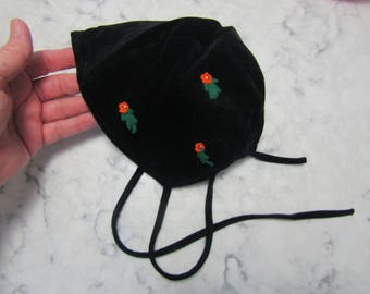 Vintage 1950's Black Velveteen Little Girls Baby or Doll Bonnet Hat with Orange Felted Wool Flowers